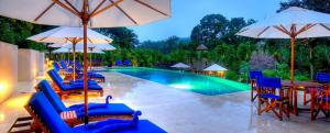 belize-luxury-resort-infinity-swimming-pool-optimized_12
